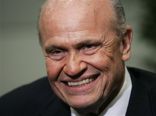 """FILE - In this June 2, 2007, file photo, former Sen. Fred Thompson speaks during an interview with the Associated Press prior to a fund raiser in Richmond, Va. Thompson, a folksy former Republican U.S. senator from Tennessee who appeared in feature films and television including a role on """"Law & Order,"""" died Sunday, Nov. 1, 2015, his family said. He was 73. (AP Photo/Steve Helber, File)"""