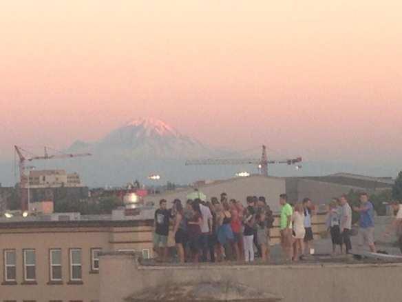 """""""Mt. Rainier + @macklemore fans! #whitewall"""" (Image: @EricaToelle)"""