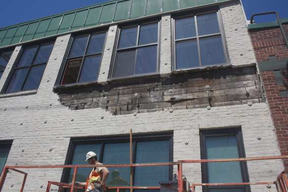 In an effort to preserve it, this Pike/Pine building is being taken apart -- brick by brick (Image: CHS)