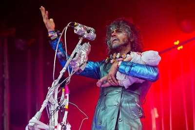 """Flaming Lips frontman Wayne Coyne gets into the CHBP Day Three """"31+"""" theme  (Image: Alex Crick for CHS)"""