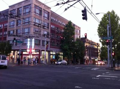 Broadway Crossing -- the original plan was for a Walgreens... and nothing more (Image: CHS)