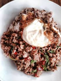 phad gra pao moo sap (Image: Little Uncle)