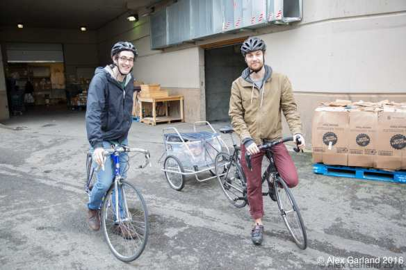 Seattle Food Rescue volunteers Lucas, right, and Arthur (Image: CHS)