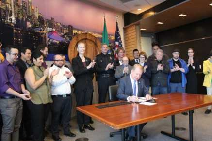Murray's signing ceremony (Image: City of Seattle)