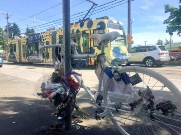 Desiree's mom: 'I don't want anyone else to lose their future on something that's so preventable' (Image: Seattle Bike Blog)