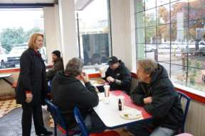 Mayor Durkan introduces herself to Rancho Bravo patrons
