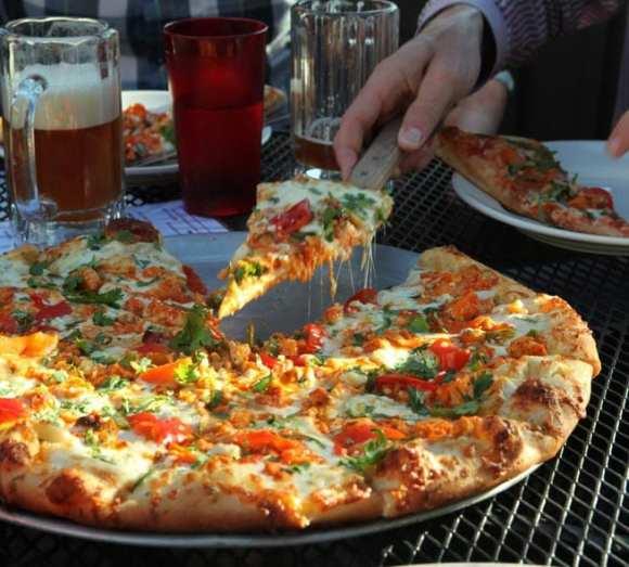 (Images: Zeeks Pizza)