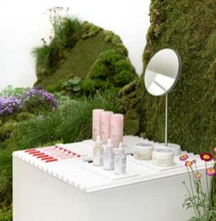 Glossier_Seattle-4_crop