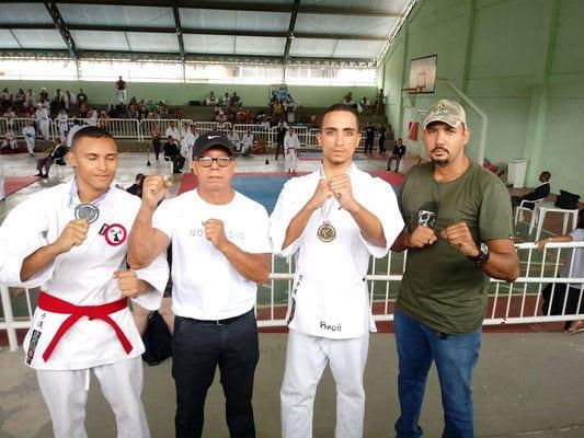 Atilienses conquistam medalhas no Estadual de Karatê