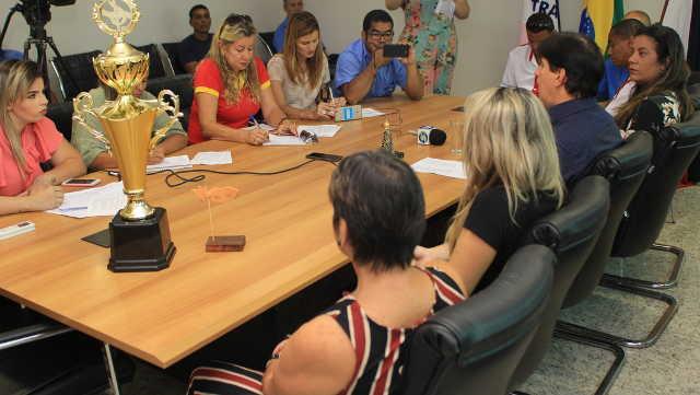 Prefeito anuncia mais um pacote obras de drenagem e pavimentação em Guarapari