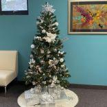 CAP CHRISTMAS TREE