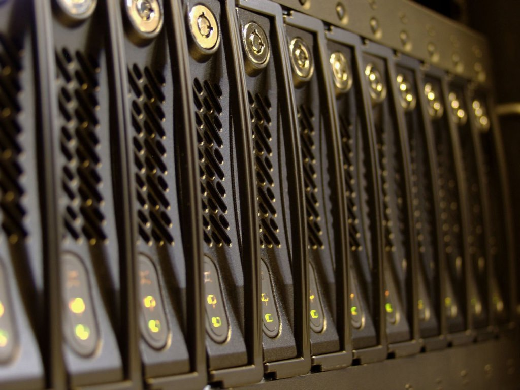 dedicated servers versus shared hosting