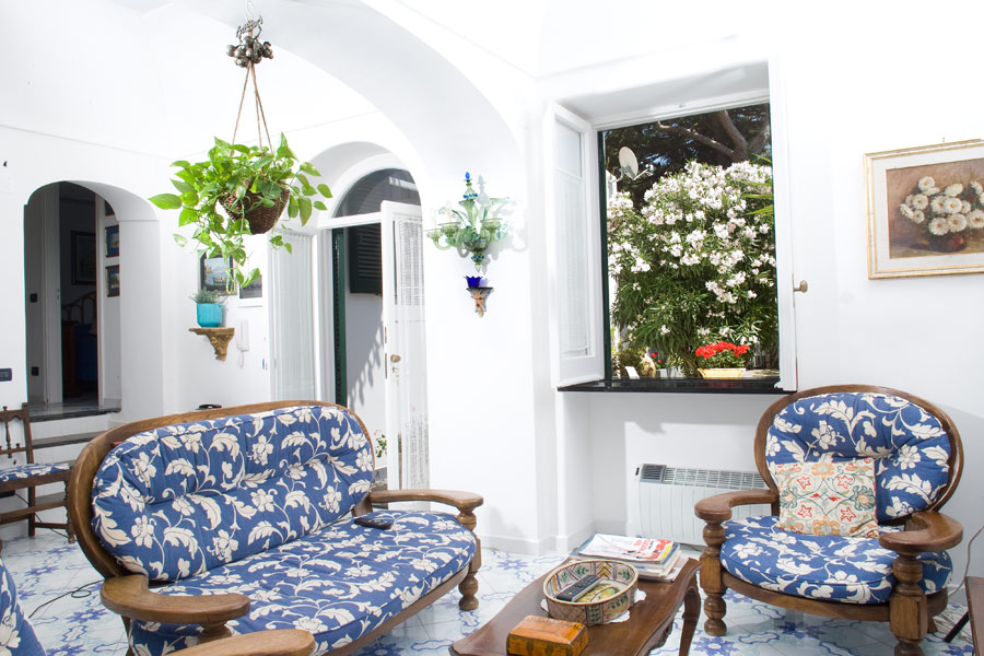 Excellent apartment for rent in Capri Italy