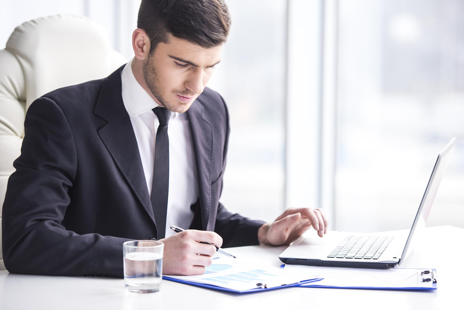 https://i0.wp.com/www.caproasia.com/wp-content/uploads/2015/08/Professional-Banker-3.jpg