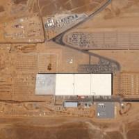 Elon Musk eröffnet Teslas Gigafactory