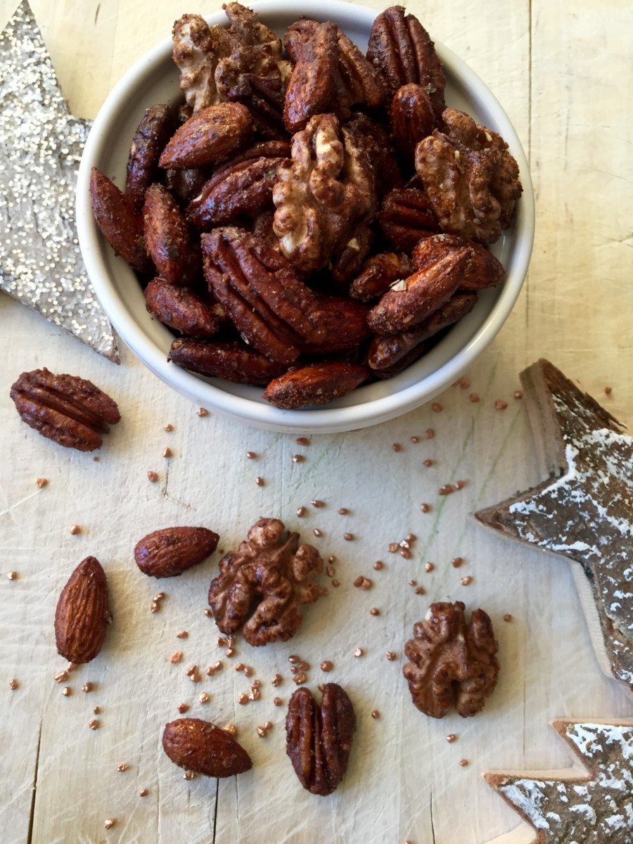 sweet  spicy roasted christmas snacking nuts