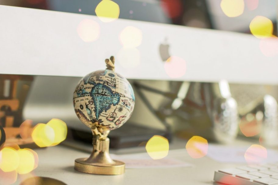 Little globe decor