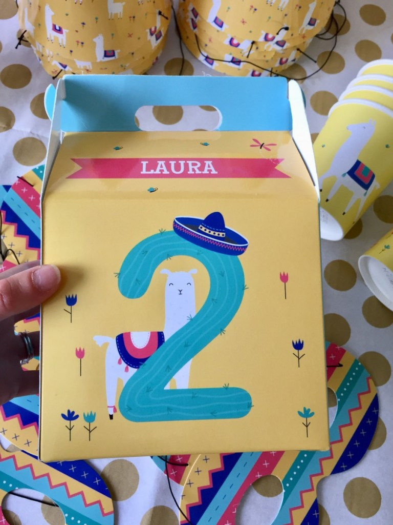 How to throw a llama themed party