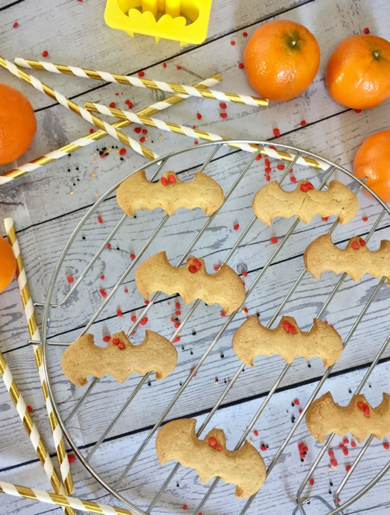 Pumpkin gingerbread cookie bats for Halloween