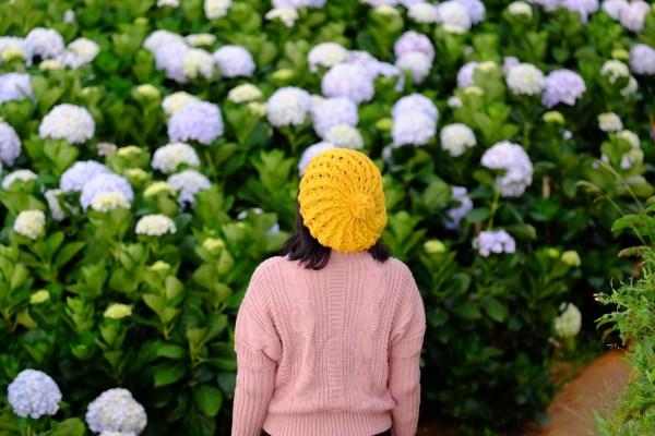 garden flowers women