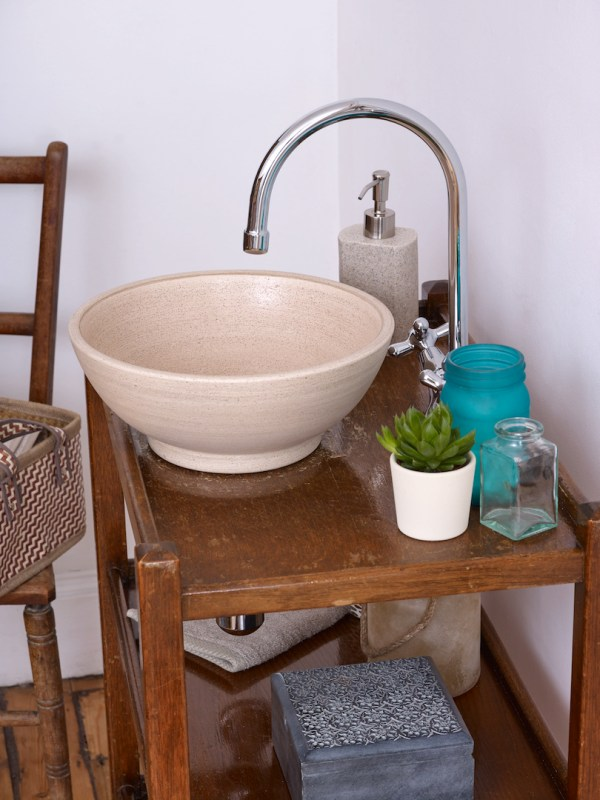Lovasi wash basin