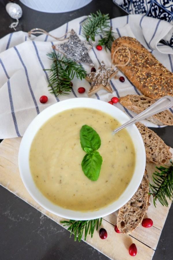 vegan leek and potato soup