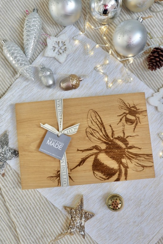 Oak chopping board: Ethical Christmas Gifts.