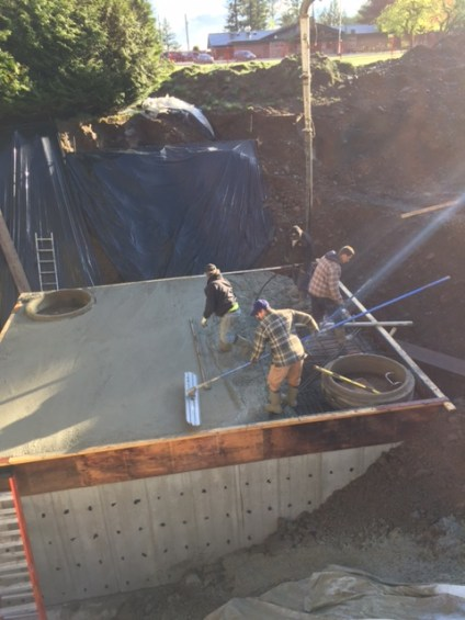 Finishing concrete retention tank - stillwood, Chilliwack