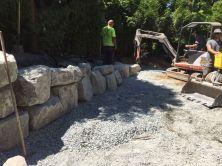rock-retaining-wall-installation-2