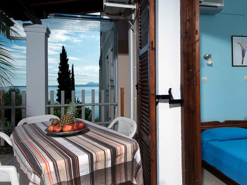 Two bedroom apartment with sea and country view in Barbati Corfu