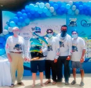 Team Miss Darlene Winners of Grand Caribe Deep Sea Fishing Tournament