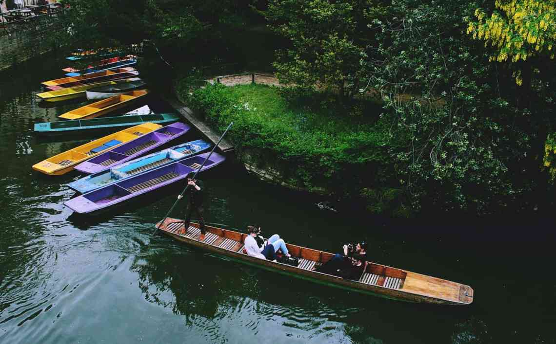8 IQ Boosting Things To Do In Oxford - Punting