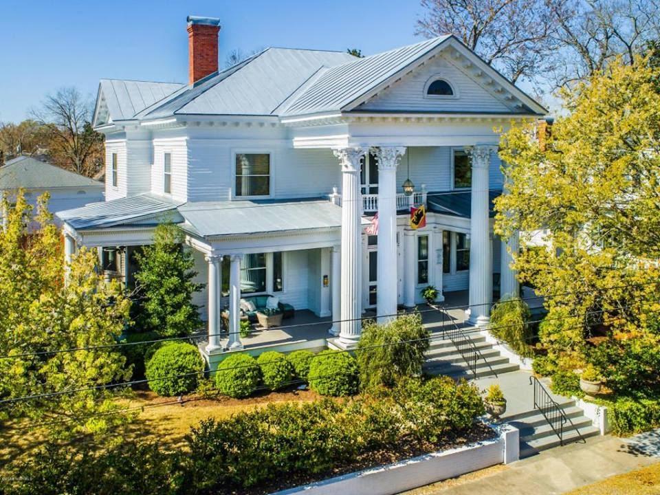 1907 Neo-Classical Revival In New Bern North Carolina