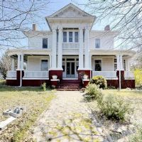 1900 Neoclassical Fixer-Upper For Sale In Mcdonough Georgia