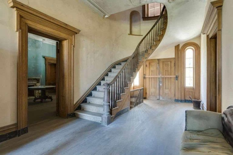 1856 Abandoned Mansion on 410 acres For Sale In Virginia