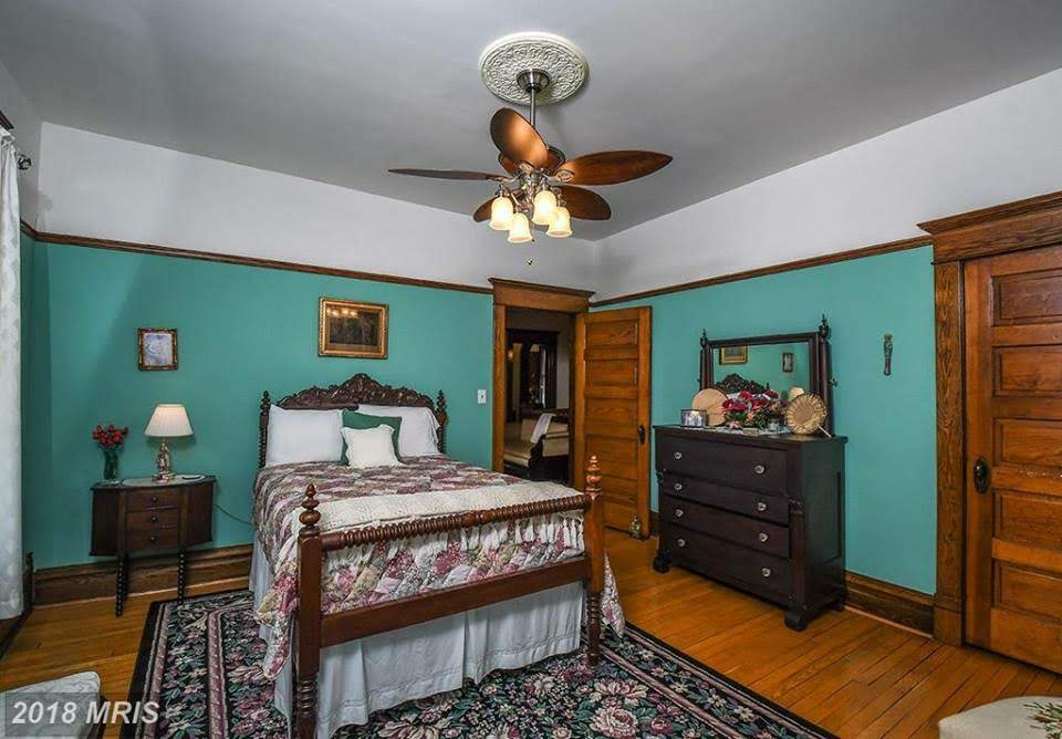 1904 Majestic Victorian For Sale In Terra Alta West