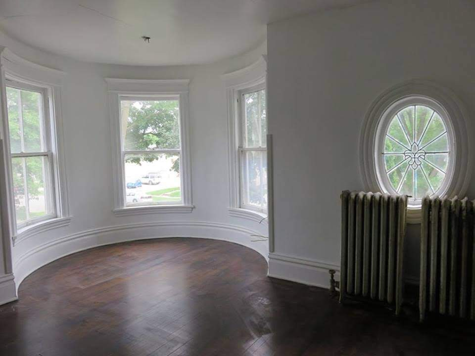 1924 Victorian Style House For Sale In Mason City Iowa