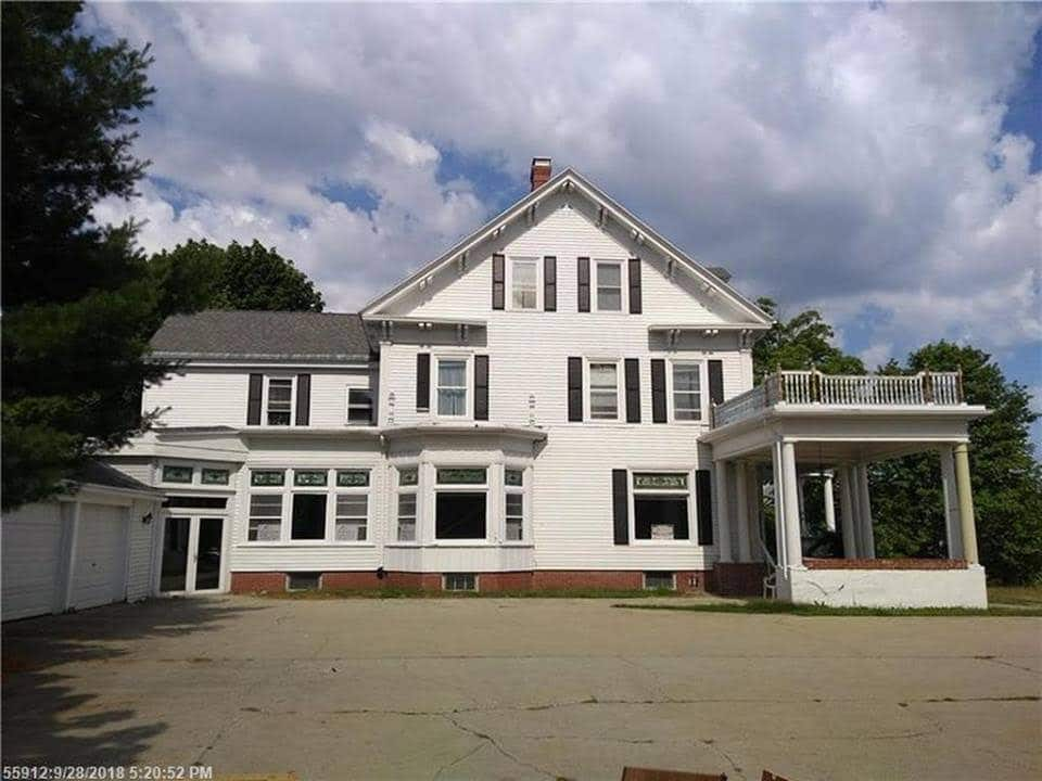 Phenomenal 1900 Fixer Upper For Sale In South Portland Maine Home Interior And Landscaping Palasignezvosmurscom