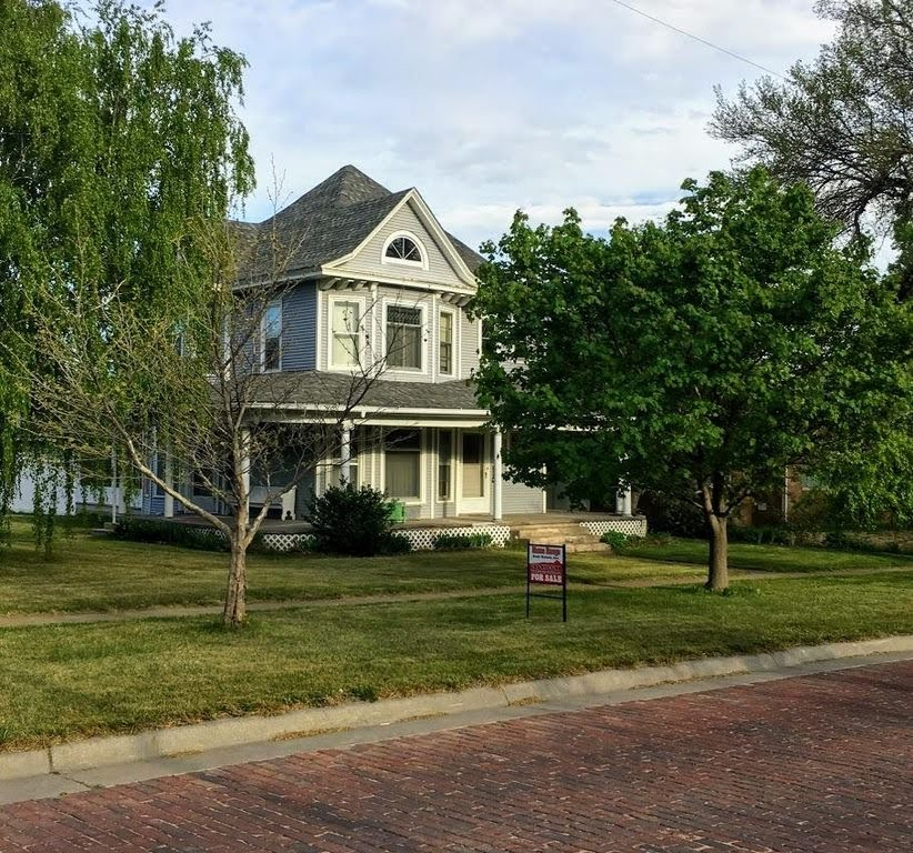 1906 Victorian For Sale In Heritage Hill Grand Rapids
