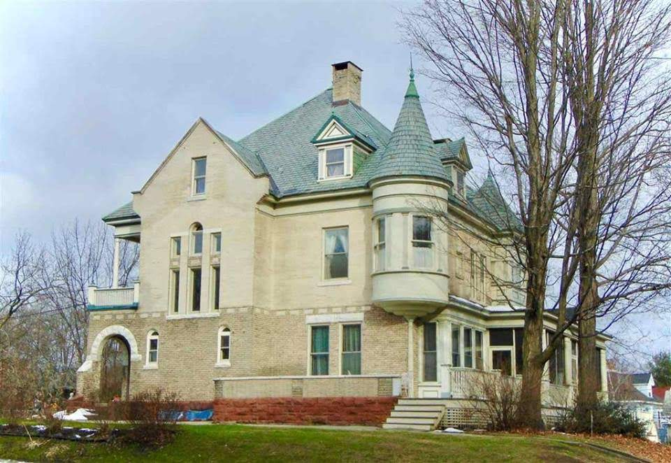 Pleasant 1905 Mansion For Sale In Concord New Hampshire Captivating Home Interior And Landscaping Oversignezvosmurscom