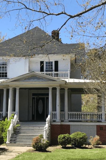 1918 Fixer Upper For Sale In Reedville Virginia