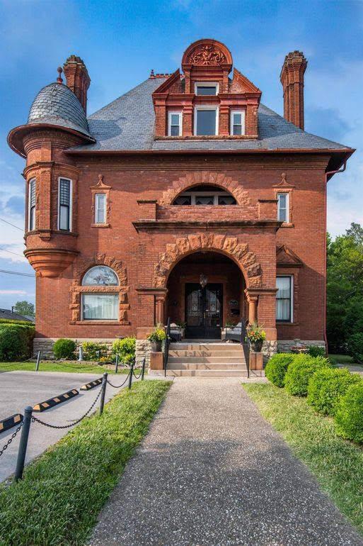 1890 Queen Anne For Sale In Richmond Kentucky