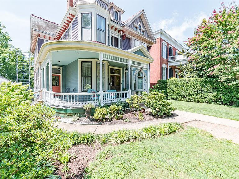 1902 Queen Anne For Sale In Lynchburg Virginia