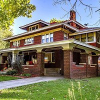 1912 Foursquare For Sale In Malvern Iowa