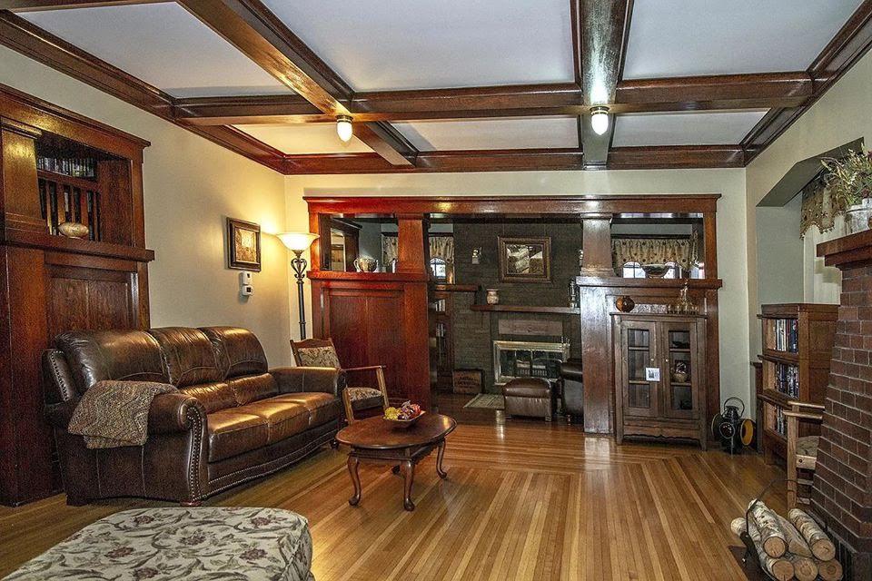 1912 Foursquare For Sale In Malvern Iowa