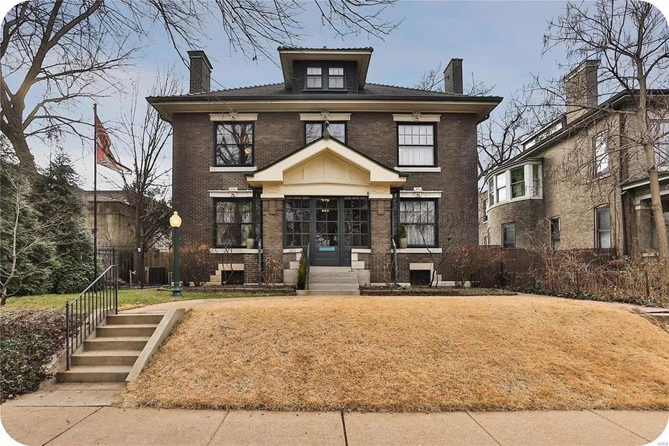 1910 Foursquare For Sale In Saint Louis Missouri