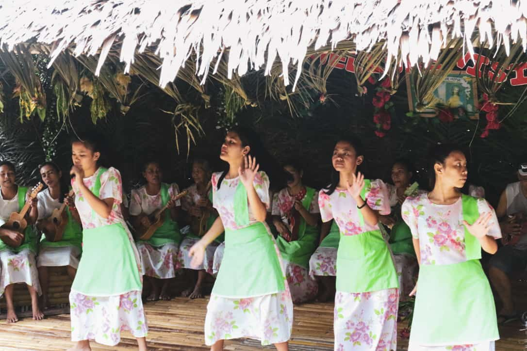 Philippine girls dancing in traditional clothes