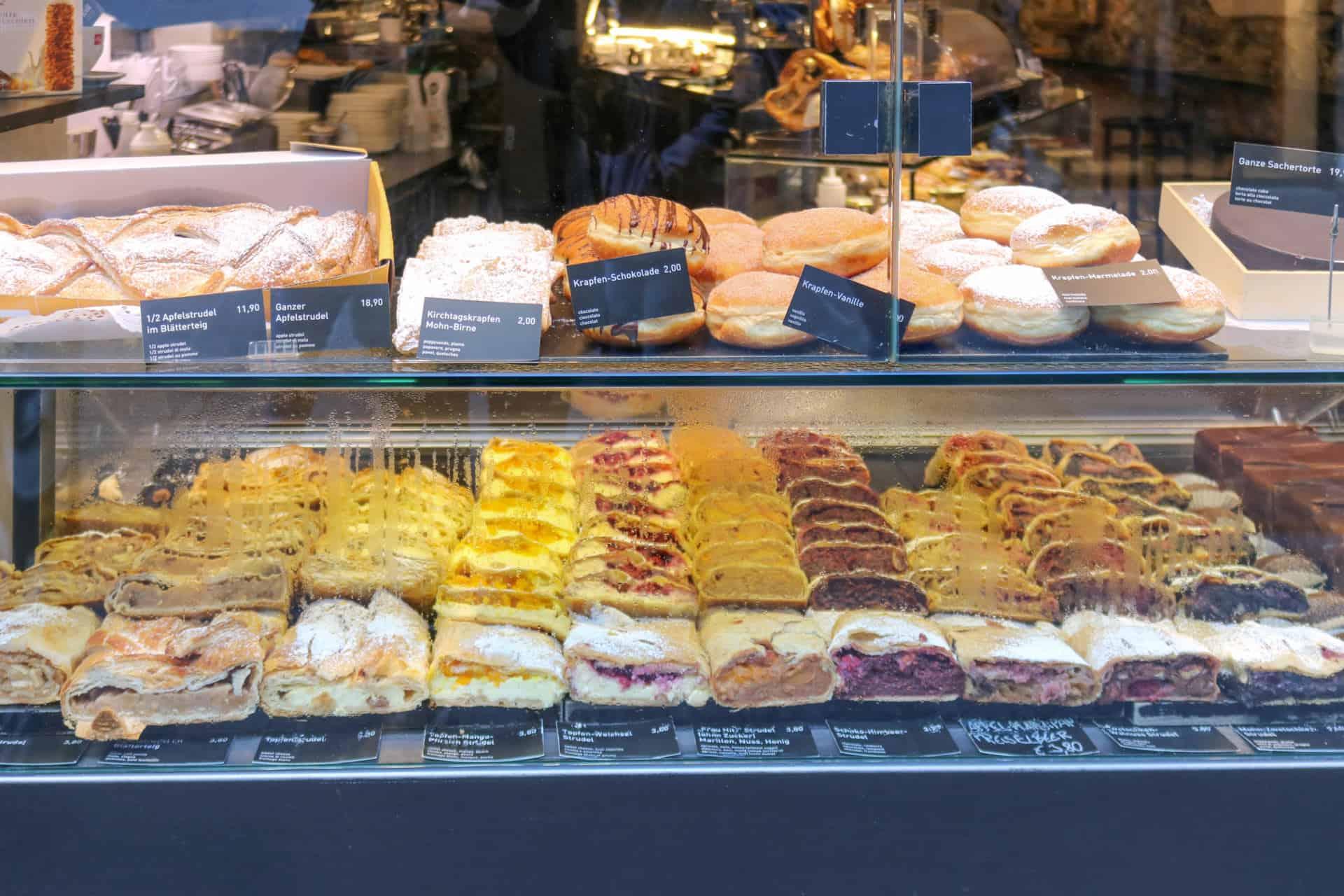 Strudel cafe kroll Innsbruck