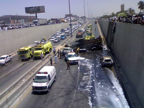 bizarre car crash pictures
