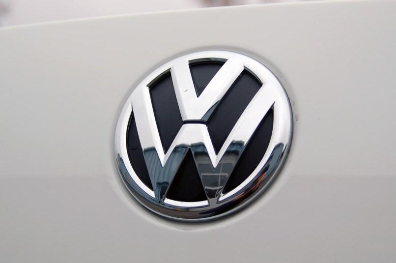 Volkswagen Das Auto Logo Wallpaper Reviewwalls
